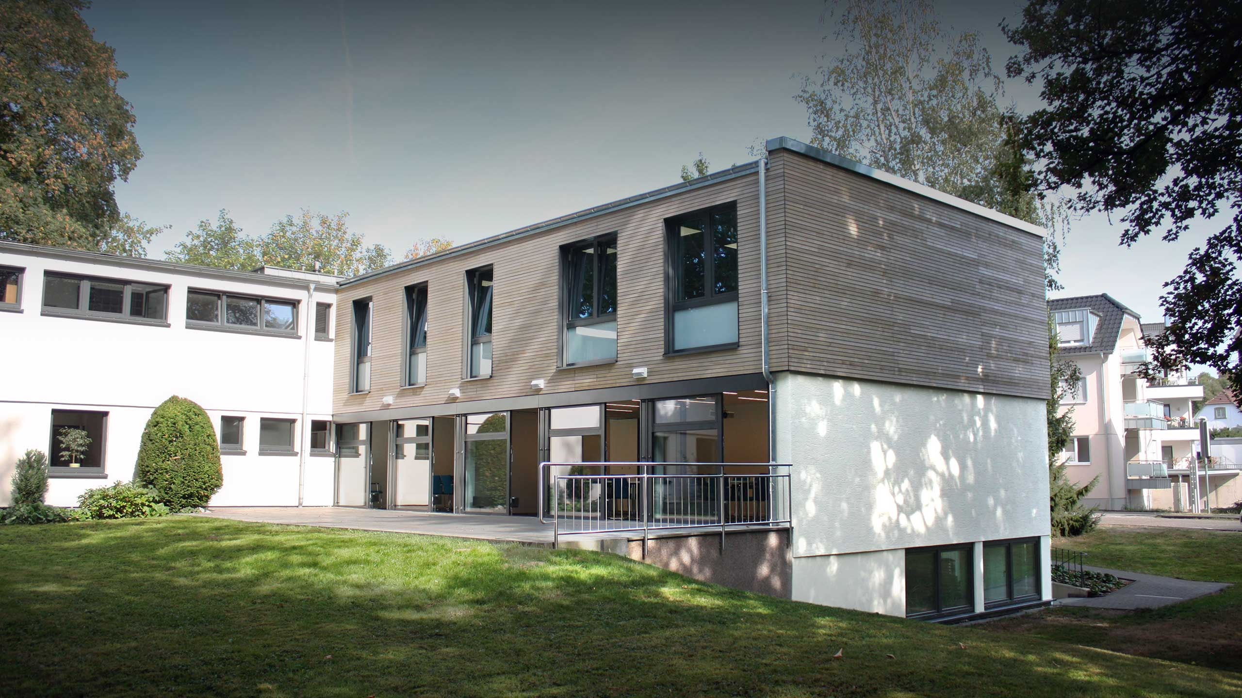 Caritas Geschäftsstelle Leverkusen, Aufstockung und modernisierter Seminarraum