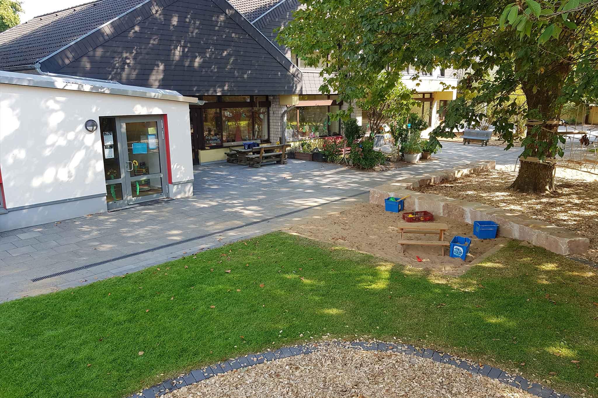 Kindergarten Maximilian Kolbe, neu gestaltete Außenanlage