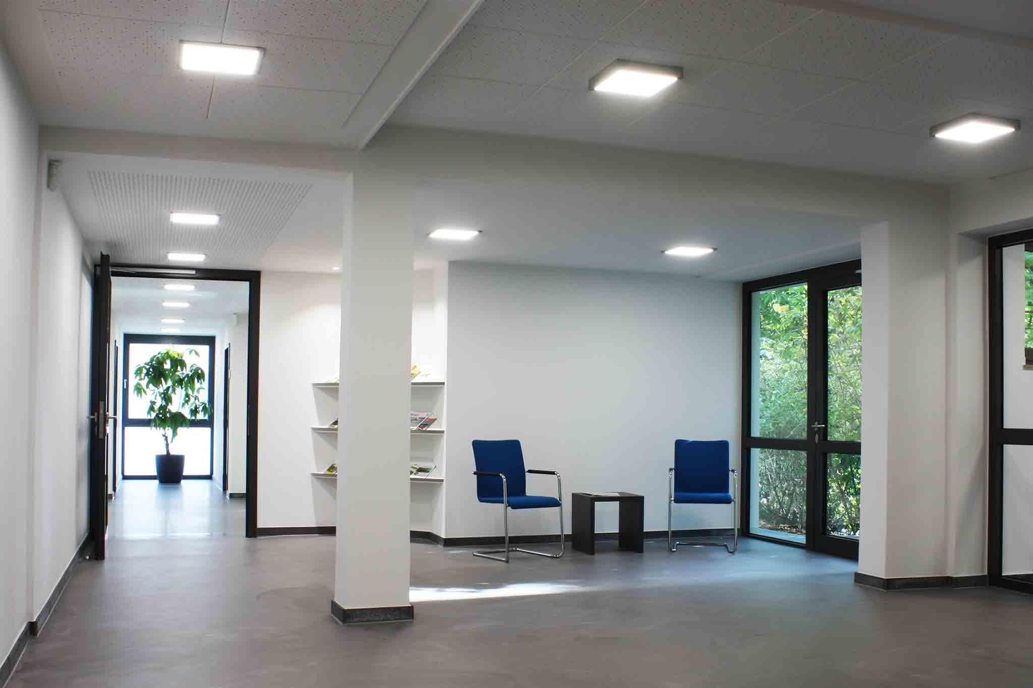 Caritas Geschäftsstelle, Modernisiertes Foyer mit neuer Erweiterung